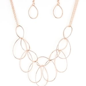 Rose gold necklace/earrings paparazzi